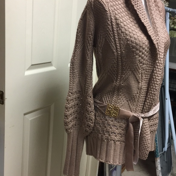 4f4e1f599b0 Elie Tahari Sweaters - Beautiful wool knit sweater
